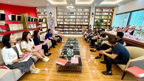 江西财大总裁班母亲节朗读者沙龙丨为你读诗——献礼亲爱的妈妈191.jpg